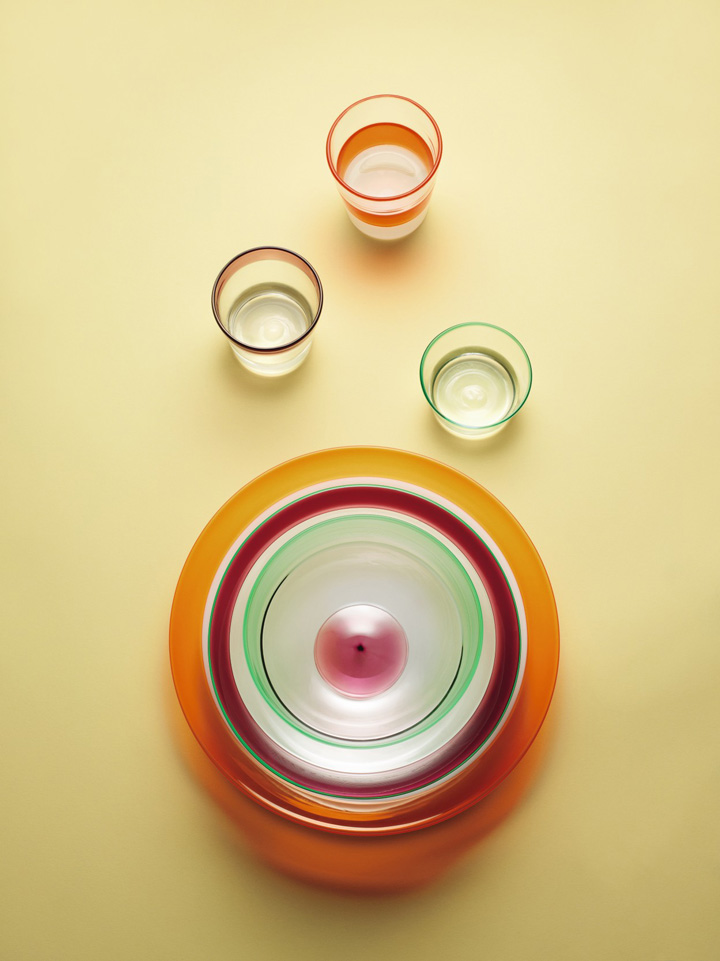 'Simple' glass tableware set by Paola Petrobelli